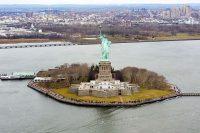 Stature-Liberty_Island.jpg